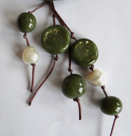 detail-bas-collier-jade